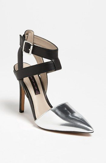 Steven by Steve Madden  Whisp Pump