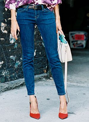 Editor-Tested! The 10 Most Flattering Jeans