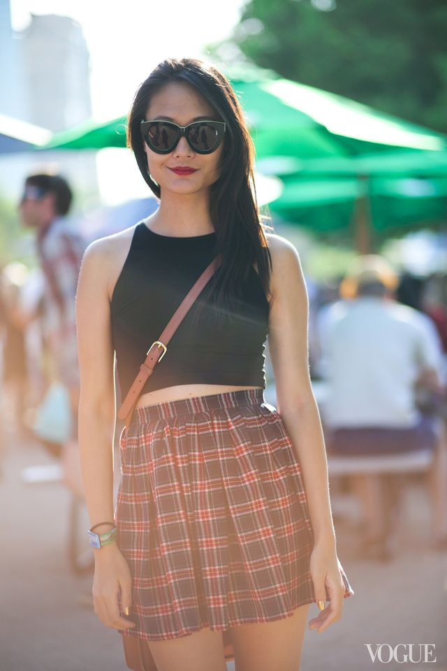 Street Style: Crop Tanks + Crossbody Bags