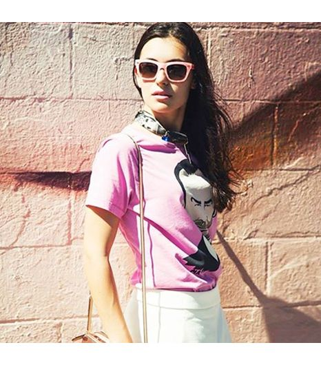 Martapozzan is wearing: Juicy Couture sunglasses, Zara shorts, Onetshirt shirt.