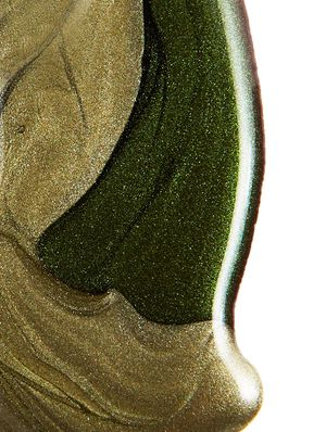Fall's Unexpected Nail Trend: Metallic Green