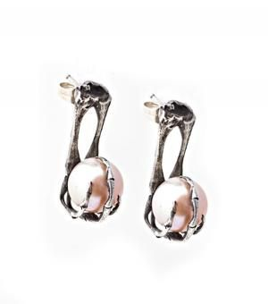 Elizabeth Knight  Elizabeth Knight Frog Pearl Earrings ($210) in Silver