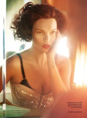 Scarlet Woman | Kate Moss | Vogue UK