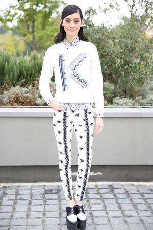 Street Style: Model-Off-Duty   Kenzo Sweaters
