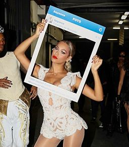 From Liza Minnelli to Beyonce Backstage, These Are The Week's Best Instagram Snaps!