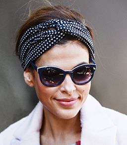Video: Eva Mendes' Trick To Tying A Head Scarf