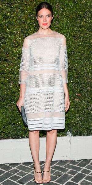 Mandy Moore arrives at the Chloe fashion show in Los Angeles.