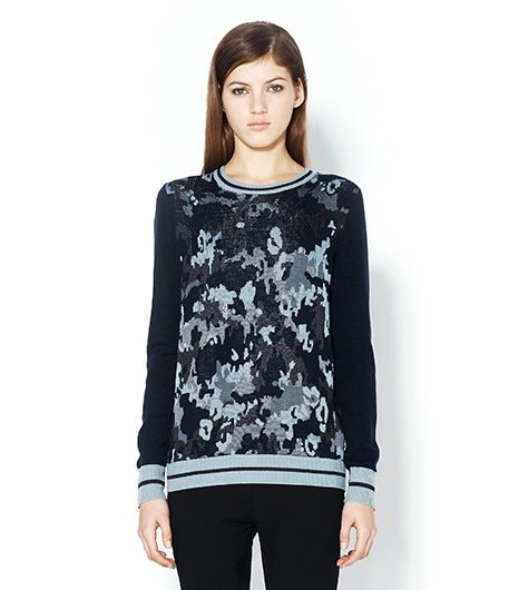 Pair with navy or black wide-legged pants and you're good to go. No need to accessorize, let the print take center stage. 