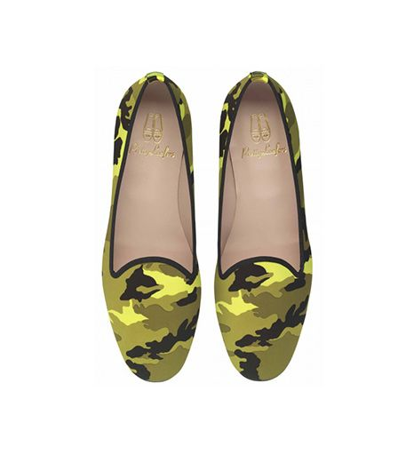 The neon really makes these pop, great for spicing up a monochromatic outfit. 