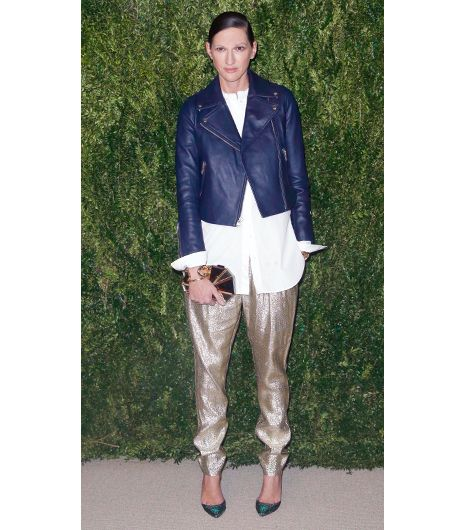 Jenna Lyons J.Crew's former executive creative director always seems to have a styling trick up her sleeve, and at the CFDA and Vogue 2013 Fashion Fund Finalists Celebration in New York...