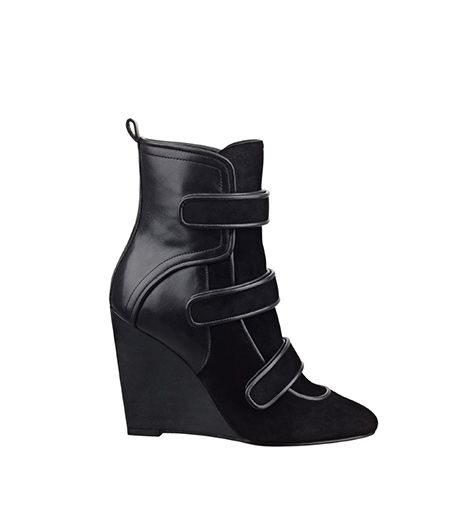 Guess Guess Tylae Booties With Straps