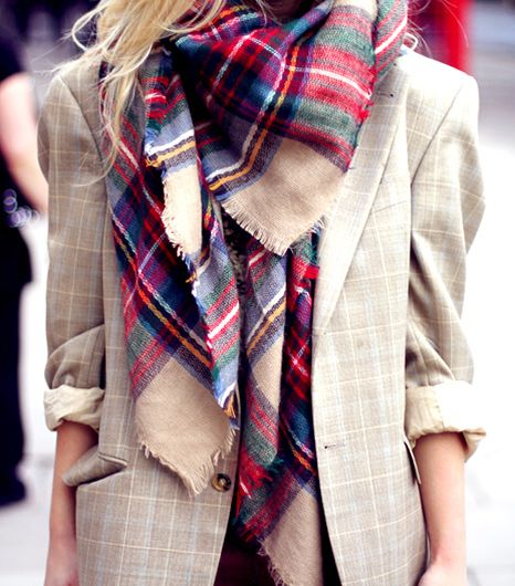 4. Add a chic scarf to your look.