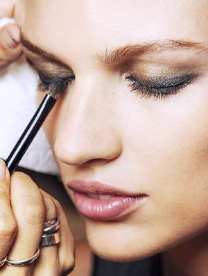 3 Makeup Brushes Every Girl Needs