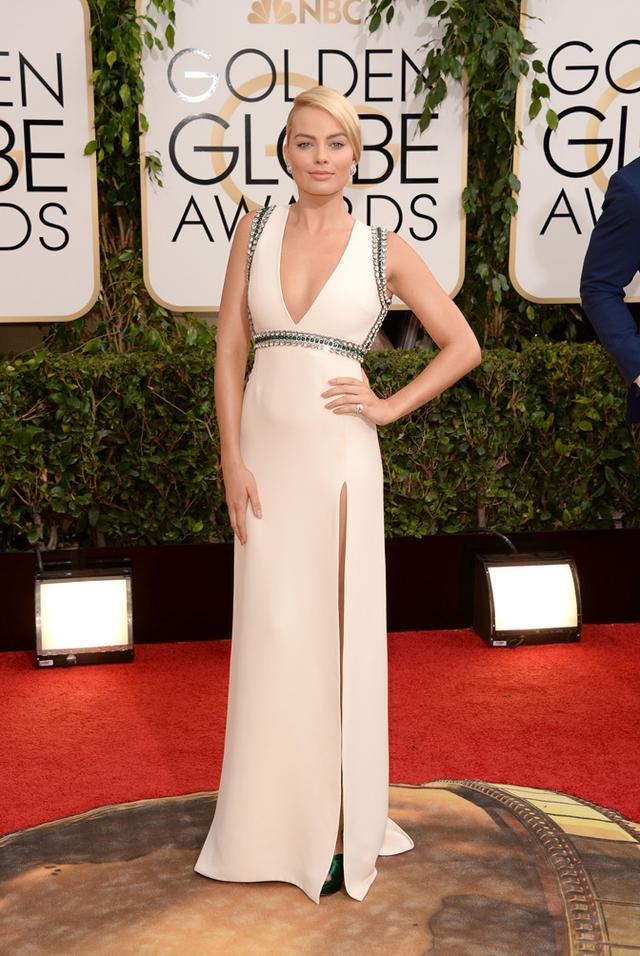 WHO: Margot Robbie WHAT: Presenter WEAR: Gucci dress; vintage Van Cleef & Arpels jewelry.