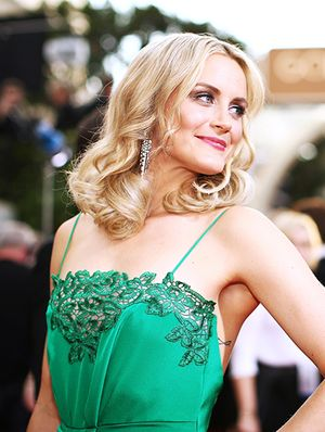 Behind the Scenes: Orange is the New Black's Taylor Schilling Preps for the Golden Globes