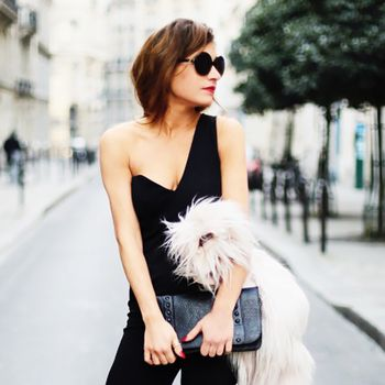 8 Secrets To Dressing Like A French Girl