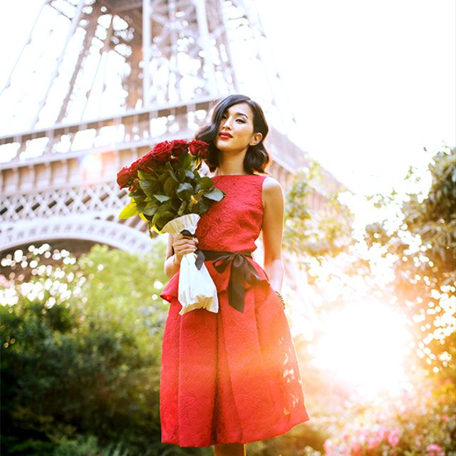What are some sexy and chic outfit ideas for a Valentine's Day date?