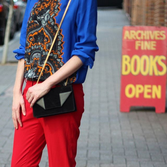 Twofortheshow is wearing: Yves Saint Laurent bag.