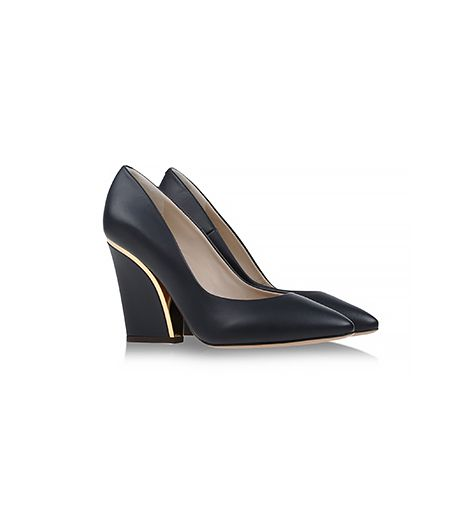 Chloe Closed Toe Pumps