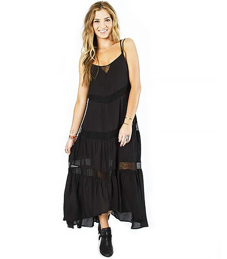 Panels of lace take this breezy maxi dress from standard to stellar.