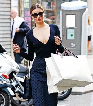 13 Feelings Every Woman Has Had While Shopping