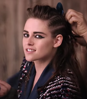 Kristen Stewart Gets Glam With Karl Lagerfeld For Chanel