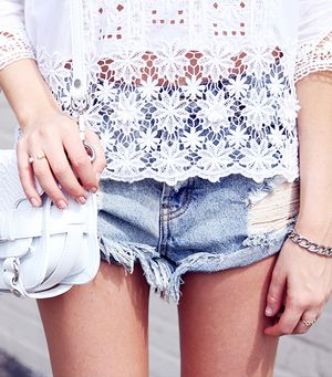 12 Cool Ways To Style Your Denim Shorts