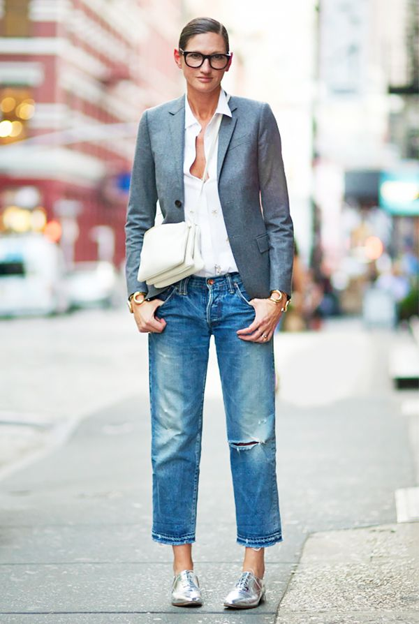Rule 4: Jeans necessitate more formal pairings, like a blazer and smart oxfords.
