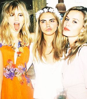 Cara, Suki & Georgia Party Down, Plus 19 More Must-See Instagrams