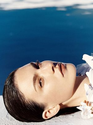 Poolside Beauty Inspiration From Vogue Japan