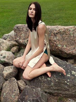 12 Sleek Outfit Ideas For A Summer Getaway