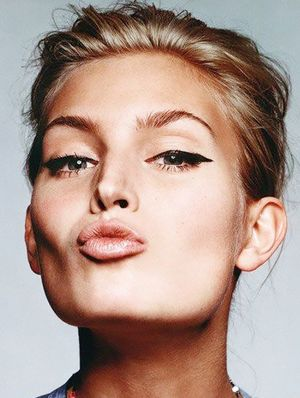 Your Guide To Curing Dry Lips, Once And For All (Plus, A Giveaway!)