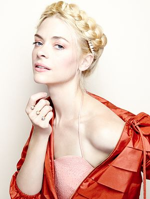 Exclusive: 4 Stunning Summer Hair Ideas With Jaime King