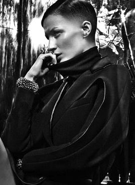 Gisele Bündchen Gets A Short Haircut For Balenciaga's F/W Campaign