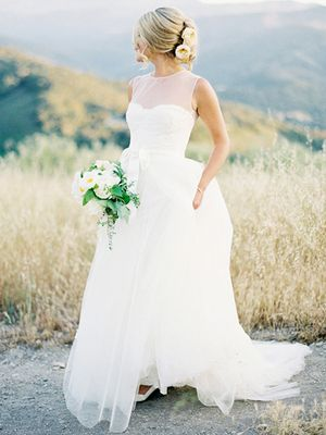 The 5 Prettiest Summer Wedding Dress Trends
