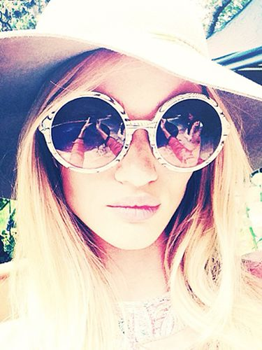 Shop Rosie Huntington-Whiteley's Perfect Summer Selfies