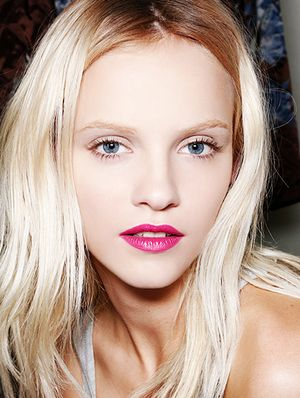 5 Humidity-Defying Hair Tricks For Smoother Strands
