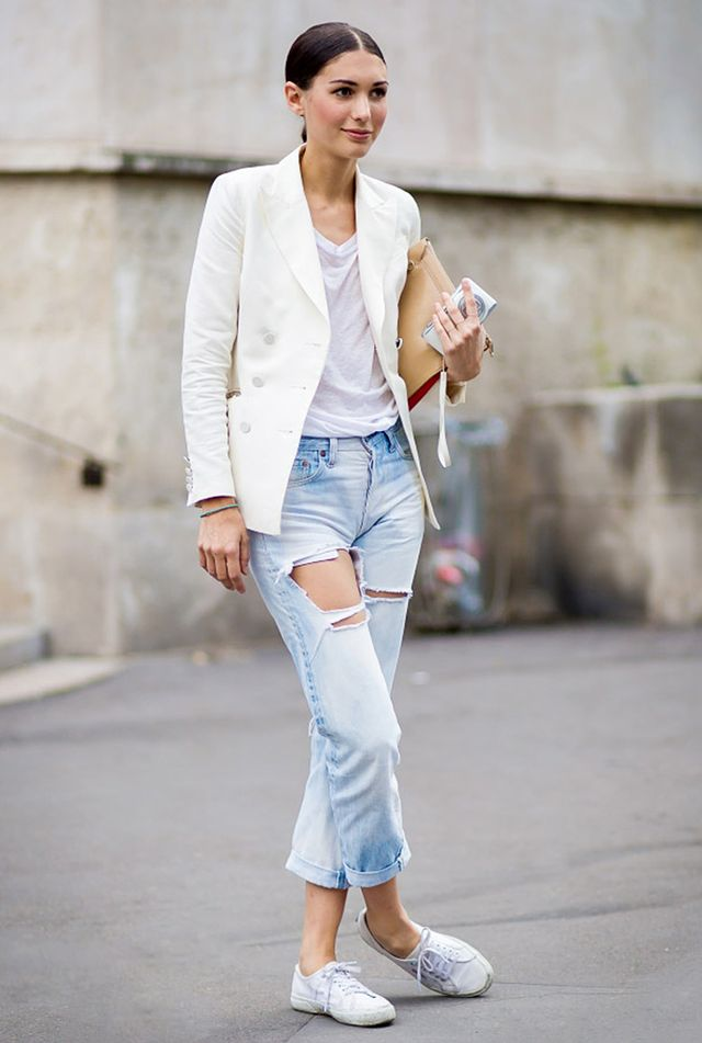 Simple T-Shirt + Distressed Jeans