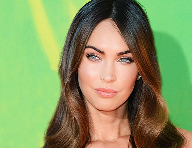 We Found The Exact Shade Of Megan Fox's Perfect Coral Lipstick!