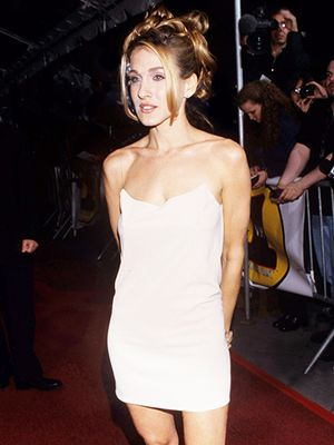#TBT: Sarah Jessica Parker Schools Us On How To Wear A Slip Dress