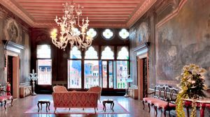 The Eloise Factor: 10 Hotels <br>You'll Want to Call Home<br/>