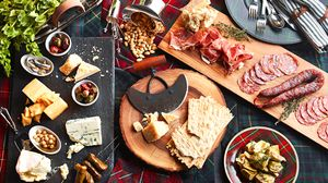 Holiday Tabletop: Easy Rustic Appetizers