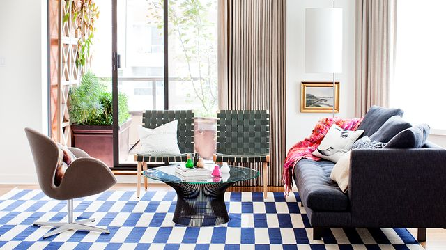 Home Tour: Swingin' Digs (and Chic Wallpaper) at 60