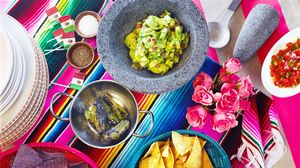 Your Guide to Hosting a Chic Cinco de Mayo Party