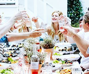Hosting A Dinner Party the secrets to hosting a stress-free dinner party | mydomaine